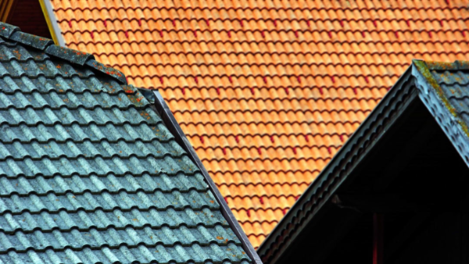 commercial roofing technicians